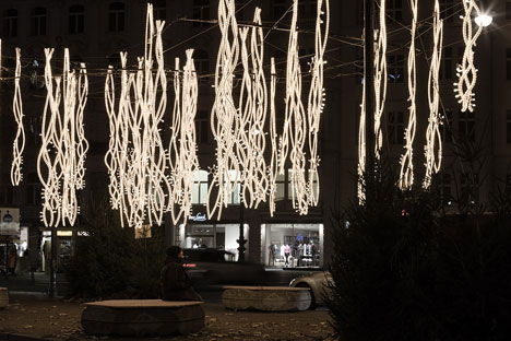 Christmas-Lights-Berlin-by-Brut-Deluxe_dezeen_13